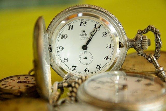 krásné kapesní hodinky