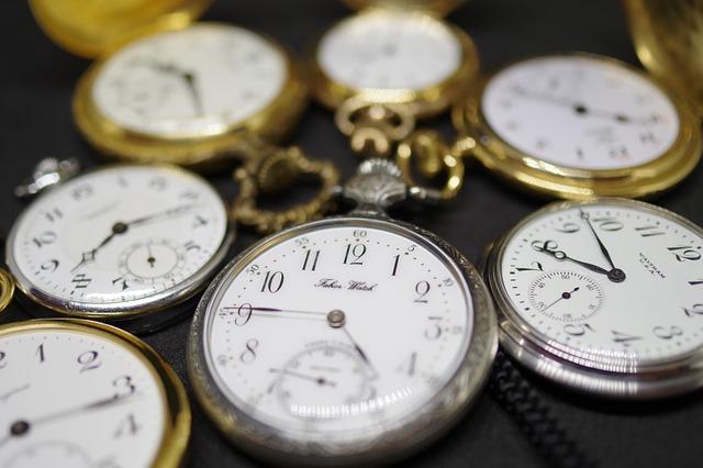 výběr kapesních hodinek