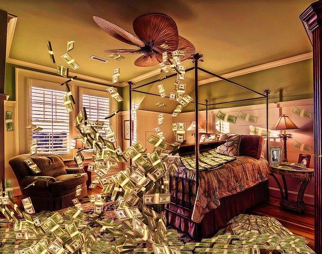 peníze v ložnici.jpg